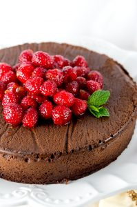 paleo-flourless-chocolate-cake-4